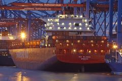 Hamburg - Container vessel loaded and unloaded at terminal Stock Photography