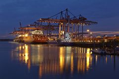 Hamburg - Container vessel at terminal Stock Images