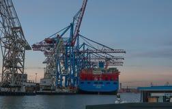 Hamburg, Deutschland Containerbahnhof am Abend stockbild