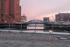 Hamburg, Deutschland - 4. März 2014: Ansicht von Daressalam-Piazza an der internationalen Seemuseums-und Busan-Brücke in Hafencit lizenzfreies stockbild