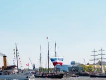 Hamburg, Deutschland - 07. Mai 2016: Schiffsparade waehrend des Royalty Free Stock Photography