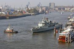 Hamburg, Duitsland - Actie in Haven Stock Afbeeldingen