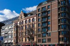 Hamburg-fishmarket Architektur-Fassadendetails und blauer Himmel Stockfotos