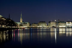 Hamburg nachts Lizenzfreie Stockfotos