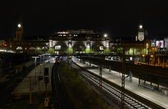 Hamburg station, yttersida på natten Royaltyfri Bild