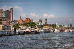 Hamburg Tyskland - Juli 28, 2014: Sikt av landskapet av Hamburg ` s royaltyfri foto