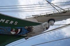 Hamburg Tyskland - Juni 11, 2016: Galjonsfigur av de masted trena Royaltyfria Foton