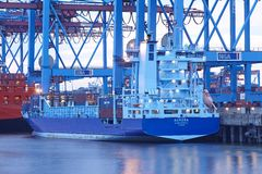 Hamburg-Waltershof - Container vessel at terminal Stock Photography