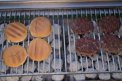 Hamburgerów pasztecików grill Obraz Stock