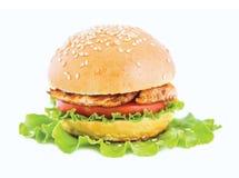 Hamburger auf dem Blatt des Kopfsalates Lizenzfreie Stockfotografie