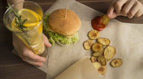 Hamburger casalingo Fotografia Stock