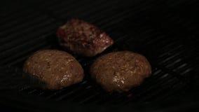 Hamburger che cucina alimento, carne, barbecue, griglia, hamburger, hamburger, bbq, manzo, archivi video