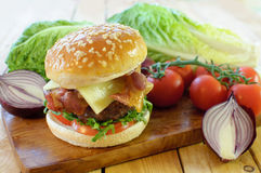 Hamburger with cheese Royalty Free Stock Images