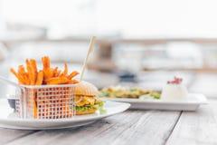 Hamburger con le patate dolci Immagine Stock