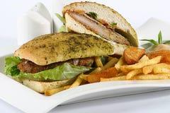 Hamburger de fines herbes de boeuf Image libre de droits