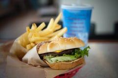 hamburger de panier Photographie stock libre de droits