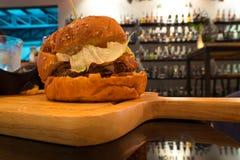Hamburger del bacon con manzo Fotografia Stock Libera da Diritti