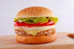 Hamburger del formaggio di Pok Fotografia Stock Libera da Diritti