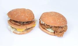 Hamburger del pollo del manzo Immagini Stock Libere da Diritti