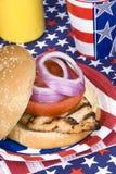 Hamburger del pollo sul quarto di luglio Immagine Stock