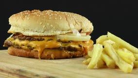 Hamburger delicioso vídeos de arquivo