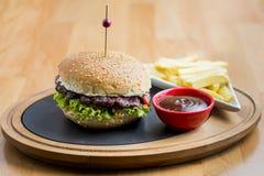 hamburger domowej roboty Zdjęcia Stock