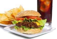 Hamburger e fritadas Fotos de Stock Royalty Free