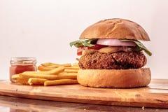 Hamburger en frieten Stock Foto's