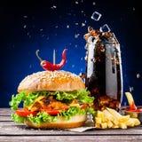 Hamburger et kola Images libres de droits