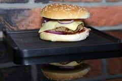 Hamburger fait maison images stock