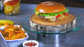Hamburger frais banque de vidéos