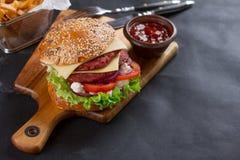 Hamburger fresco con formaggio Fotografia Stock