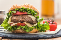 Hamburger with Fresh Vegetables Royalty Free Stock Photos