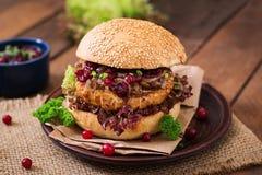 Hamburger with juicy turkey burger Royalty Free Stock Photos