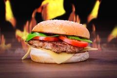 Hamburger met geroosterd rundvlees Royalty-vrije Stock Foto's