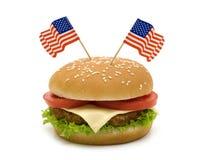 Hamburger met twee vlaggen royalty-vrije stock foto