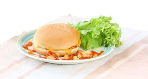 Hamburger na bielu Fotografia Stock
