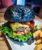 Hamburger nero Fotografia Stock