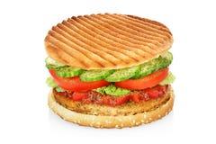 Hamburger op wit wordt geïsoleerd dat Stock Afbeeldingen
