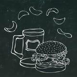 Hamburger ou cheeseburger grande, caneca de cerveja ou pinta e microplaquetas de batata Logotipo do hamburguer Isolado em um fund ilustração royalty free