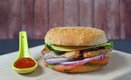 hamburger soczysty Obrazy Stock