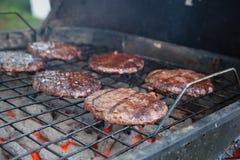 Hamburger sulla griglia Immagini Stock Libere da Diritti