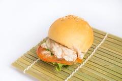 Hamburger sur le fond blanc Image libre de droits