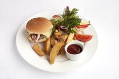 Hamburger z francuskimi dłoniakami Zdjęcie Stock