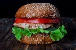 Hamburger z kurczakiem Obrazy Royalty Free