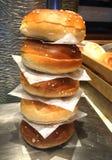 Hamburgerbroden stock foto
