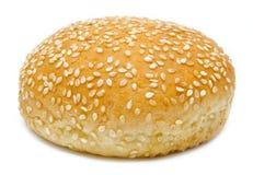 Hamburgerbrood op wit wordt geïsoleerd dat Stock Foto's