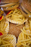 Hamburgers et fritures Photos stock