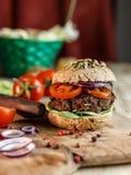 Hamburgeru i Całej banatki chleb obraz royalty free