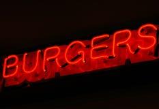 Hamburgeru neonowy znak Fotografia Royalty Free